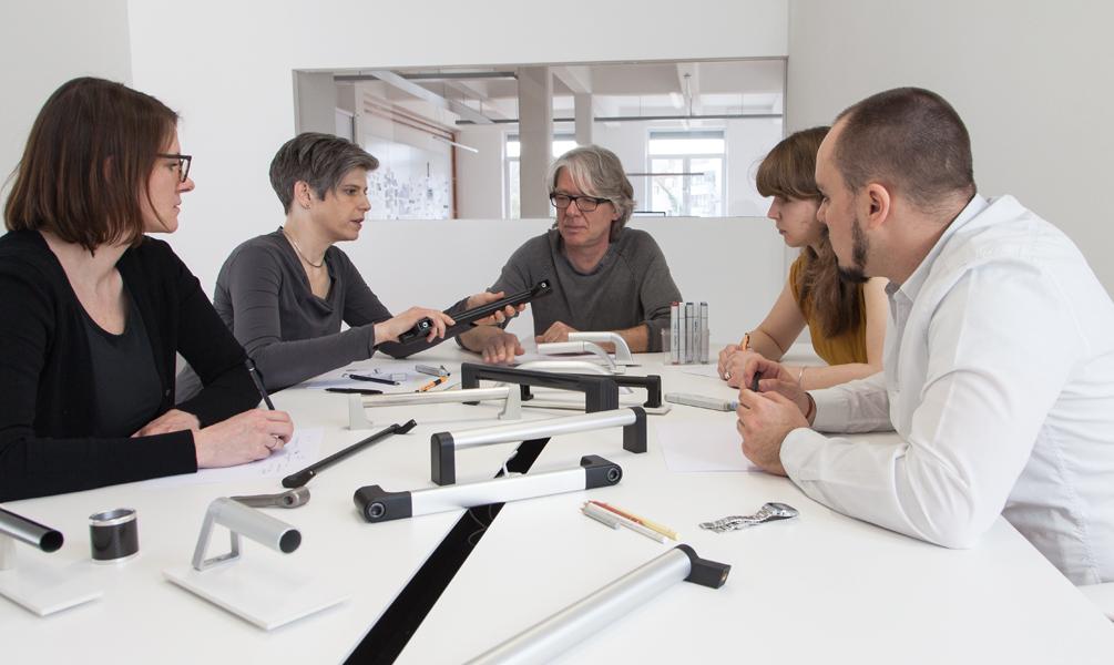 Studium produktdesign theorie alleine reicht nicht for Praktikum produktdesign
